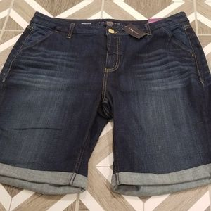 Lane Bryant Size 18 Bermuda Jean Shorts Stretch